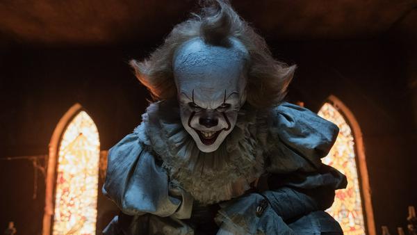 """Bill Skarsgård spielt in der Neuverfilmung von """"Es"""" Horror-Clown Pennywise"""