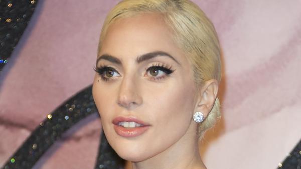 Lagy Gaga auf dem roten Teppich bei einer Veranstaltung in London