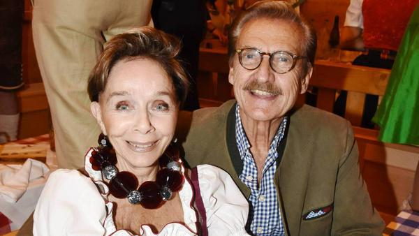 Monika Peitsch und ihr Mann, Dr. Sven Hansen-Höchstädt, auf dem Okotoberfest