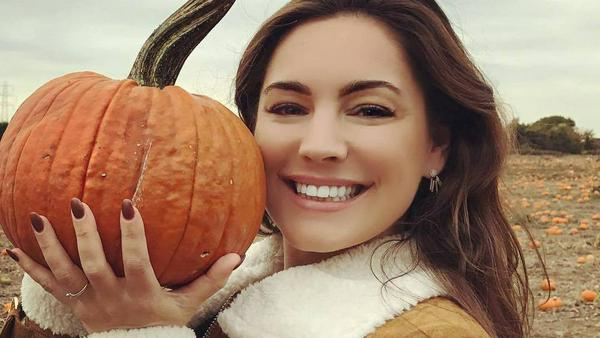 US-Schauspielerin Kelly Brook weiß um die Beauty-Geheimnisse, die ein Kürbis in sich birgt