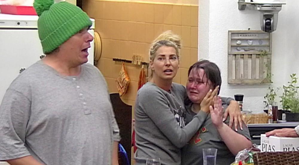 Ausgerechnet die beiden Lieblinge Manni und Jana Ludolf (mit Giulia Siegel, Mitte) mussten notgedrungen das Haus verlassen