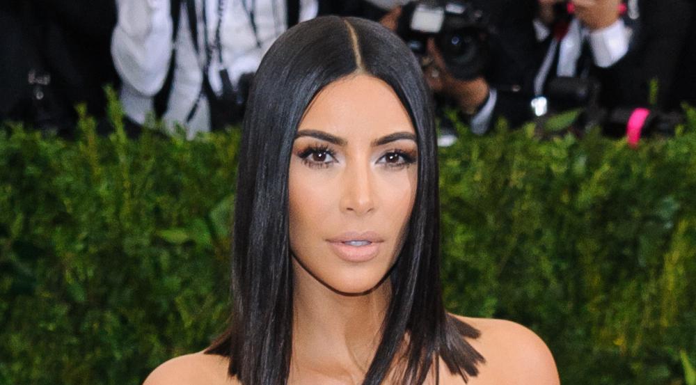 Kim Kardashian bei einer ihrer Lieblingsbeschäftigungen: Posieren für die Fotografen
