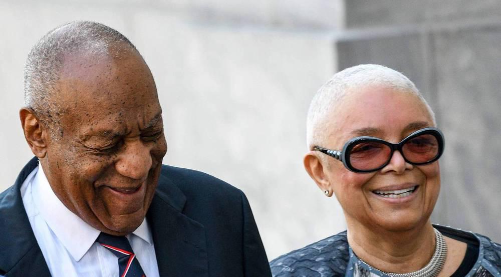 Bill Cosby mit seiner Ehefrau Camille während des Prozesses in Pennsylvania