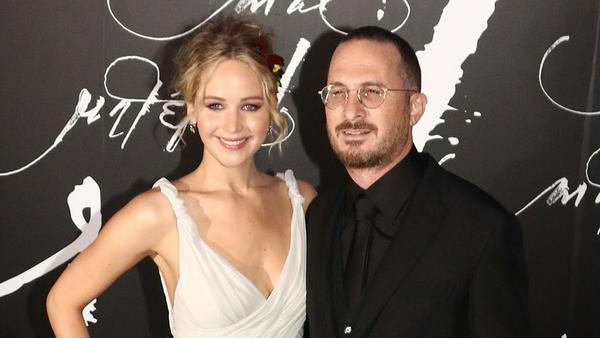 Premiere: Jennifer Lawrence und Darren Aronofsky zeigen ihre Liebe auf dem roten Teppich
