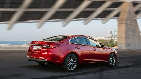 Der Mazda6 verfügt nun über elektronische Fahrwerks-Regelung