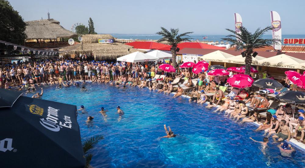 Partyzone Goldstrand! Die Hotelanlagen stehen ihren Pendants auf Mallorca in Nichts nach