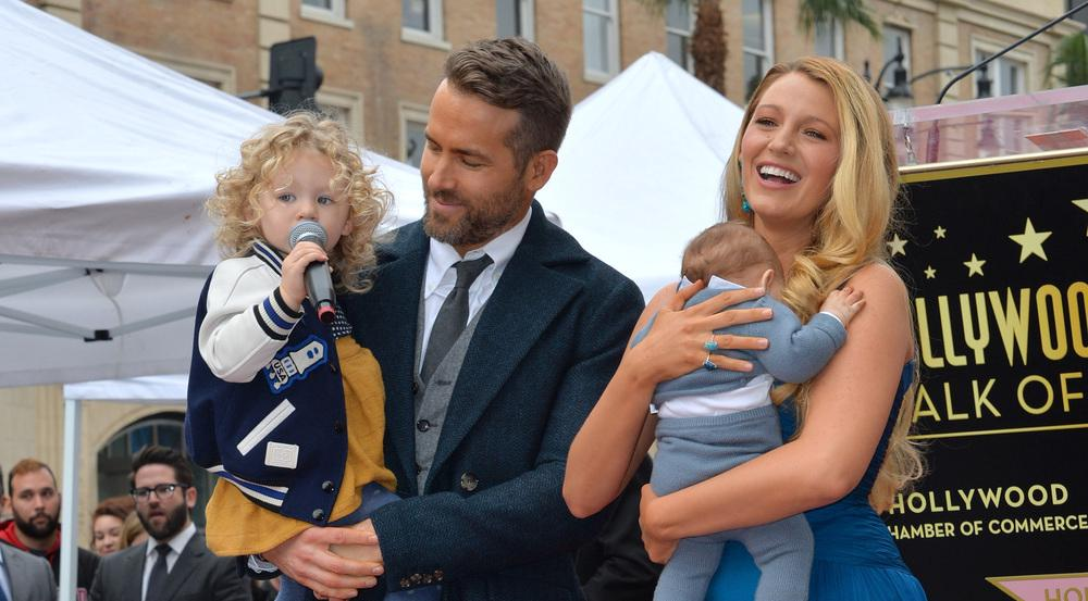 Sollte Ryan Reynolds seinen Plan in die Tat umsetzten, brauchen die Promi-Fotografen wohl bald ein Weitwinkelobjektiv, um die Großfamilie abzulichten