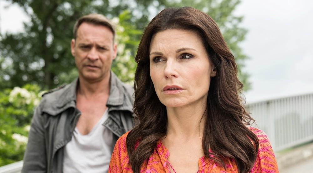 """""""Unter uns"""": Britta ist zutiefst verletzt, dass Rufus sich nach ihrem Eklat mit der Straßengöre Manu wirklich von ihr trennen will"""