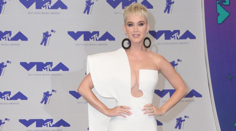 Fast zu schön für die kurze Zeit: Katy Perrys Traum in Weiß war nur ein Outfit von vielen