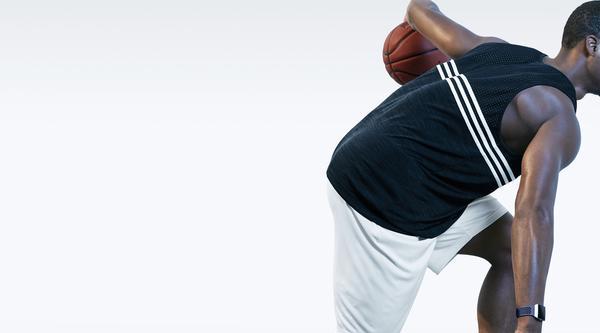 Sportliche Uhr für sportliche Menschen: die Fitbit Ionic