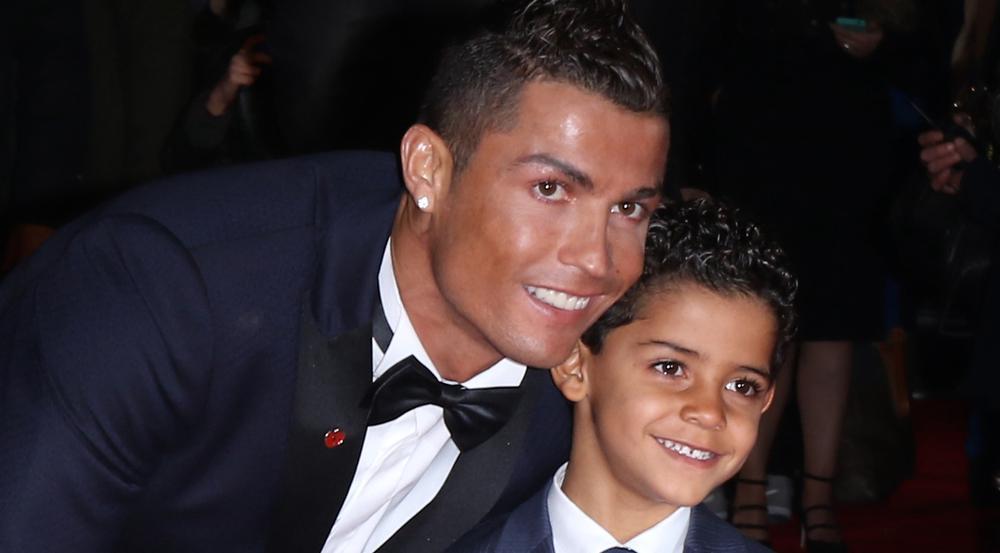 Cristiano Ronaldo mit seinem ältesten Sohn Cristiano Ronaldo Jr. bei einer Filmpremiere in London