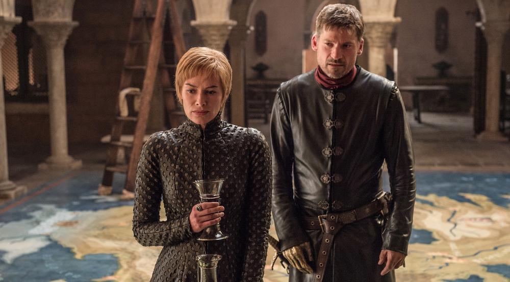 Lena Headey als Cersei Lennister und Nikolaj Coster-Waldau als Jaime Lennister in der siebten Staffel von