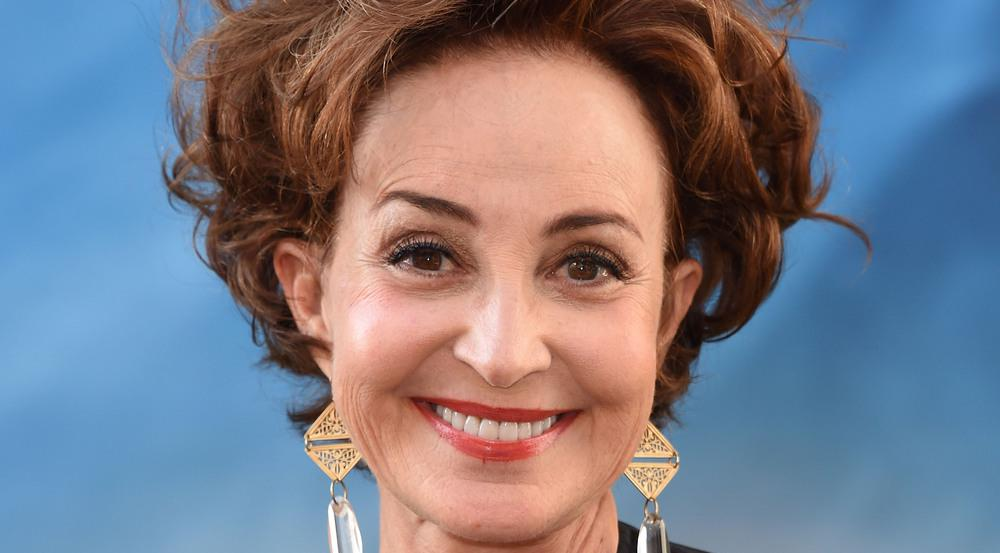 Annie Potts spielt in