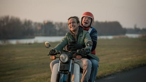 Ben (Frederick Lau) und Simpel (David Kross) können sich ein Leben ohne einander nicht vorstellen