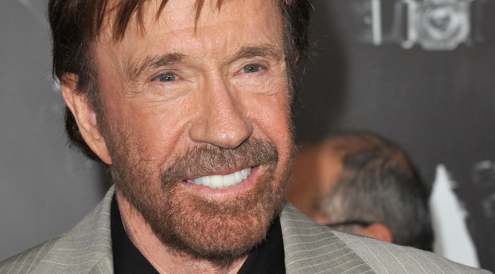 Chuck Norris wäre zweimal fast gestorben