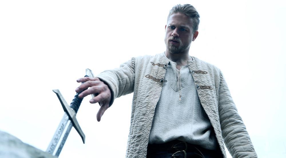 Charlie Hunnam als Arthur in