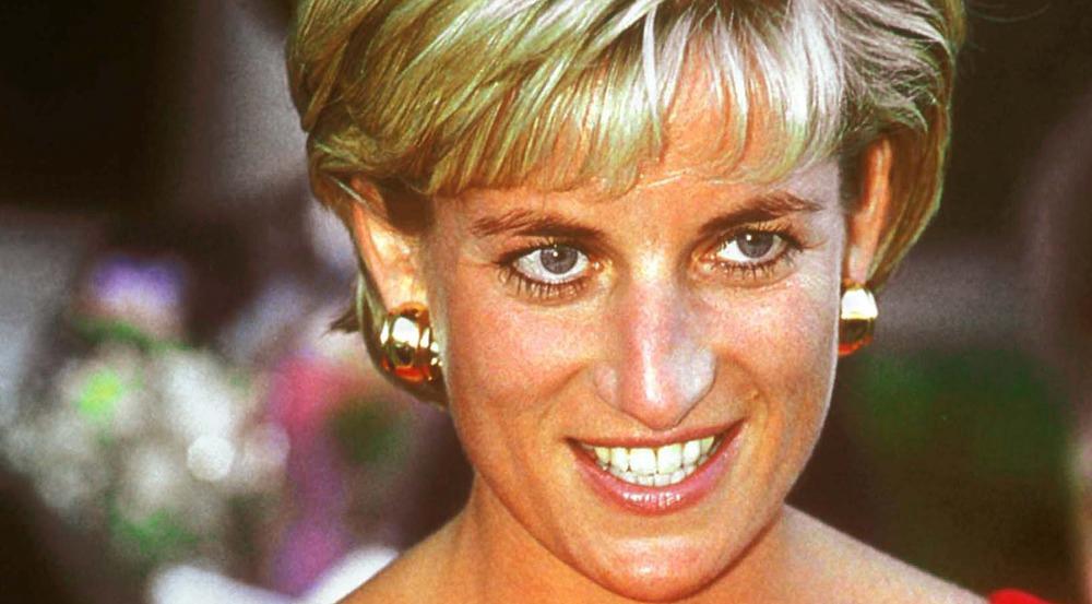 Von oben fotografiert fand Diana ihre Nase offenbar zu groß