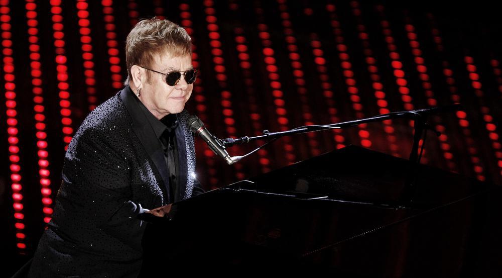 Erinnert an das musikalische Vermächtnis von Chester Bennington und Chris Cornell: Sir Elton John