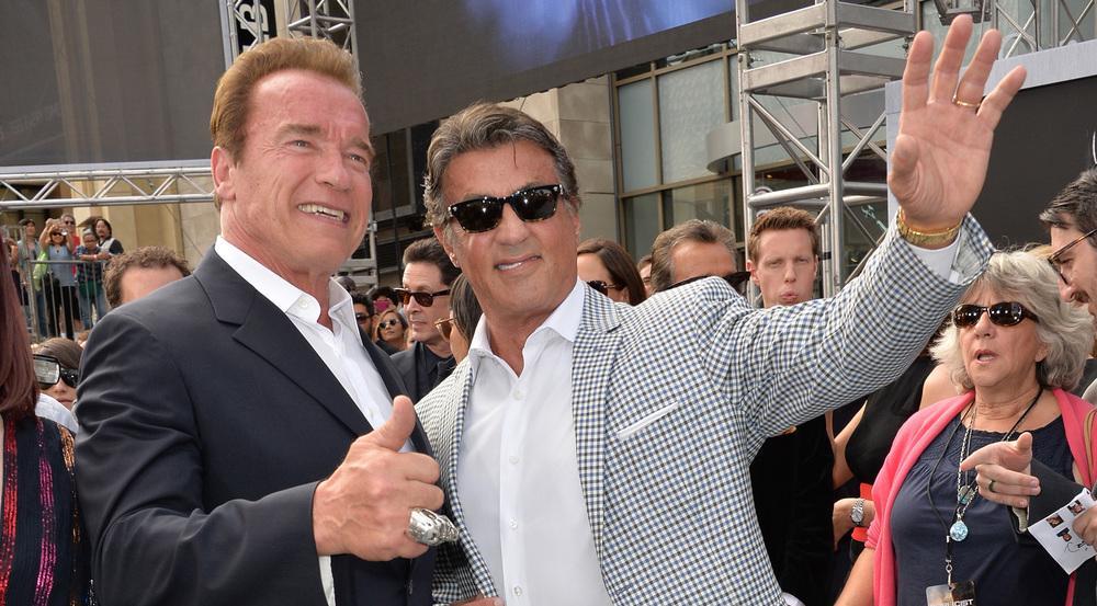 Arnold Schwarzenegger (l.) und Sylvester Stallone bei der Premiere von
