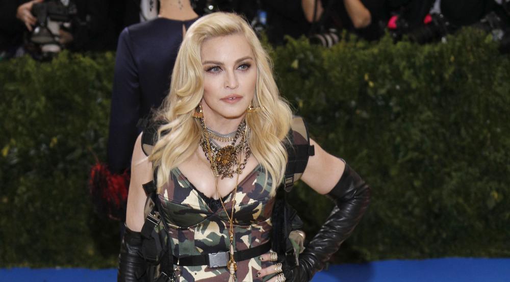 Was wohl Madonna zu den Äußerungen ihres Bruders sagt?