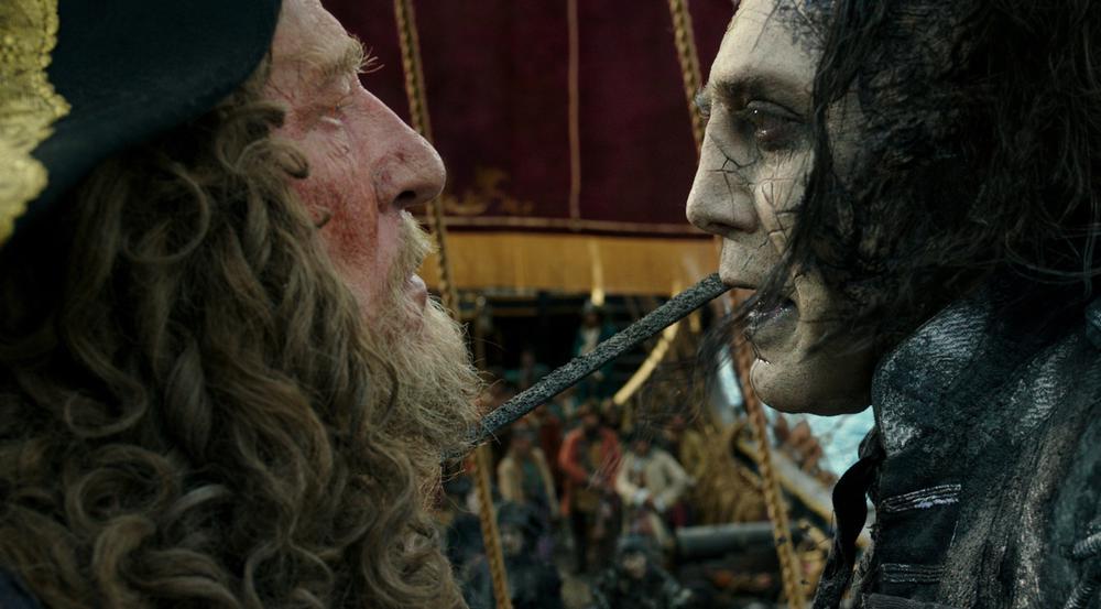 Geoffrey Rush (l.) und Javier Bardem in