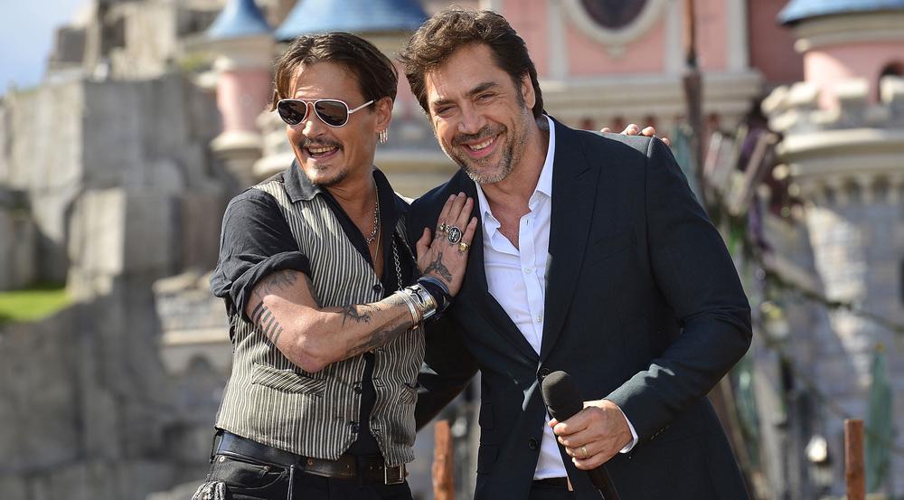 Johnny Depp (l.) und Javier Bardem bei der Europapremiere von