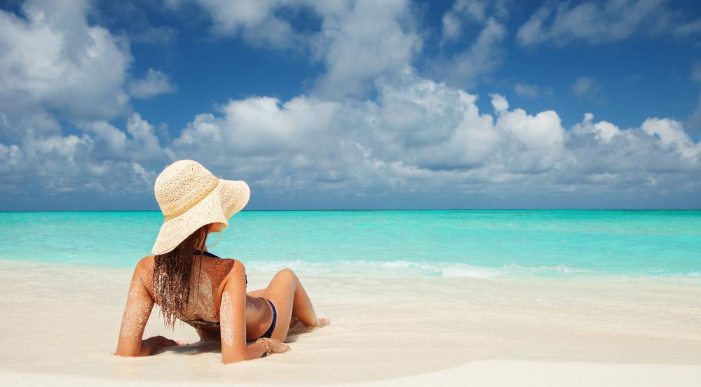 Sonne, Strand und Meer - hier würden die Deutschen am liebsten ihre Seele baumeln lassen