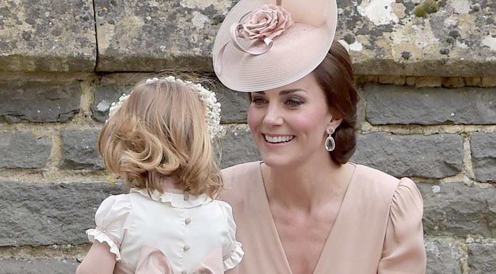 Herzogin Kate bei der Hochzeit ihrer Schwester Pippa Middleton in einer Kreation von Alexander McQueen