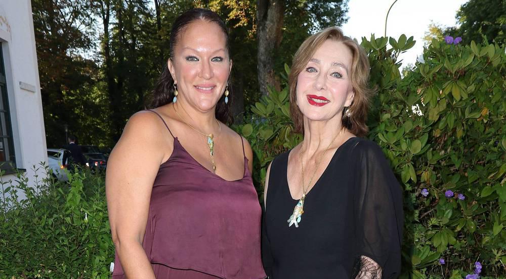 Allegra Curtis (l.) mit ihrer Mutter Christine Kaufmann im August 2016