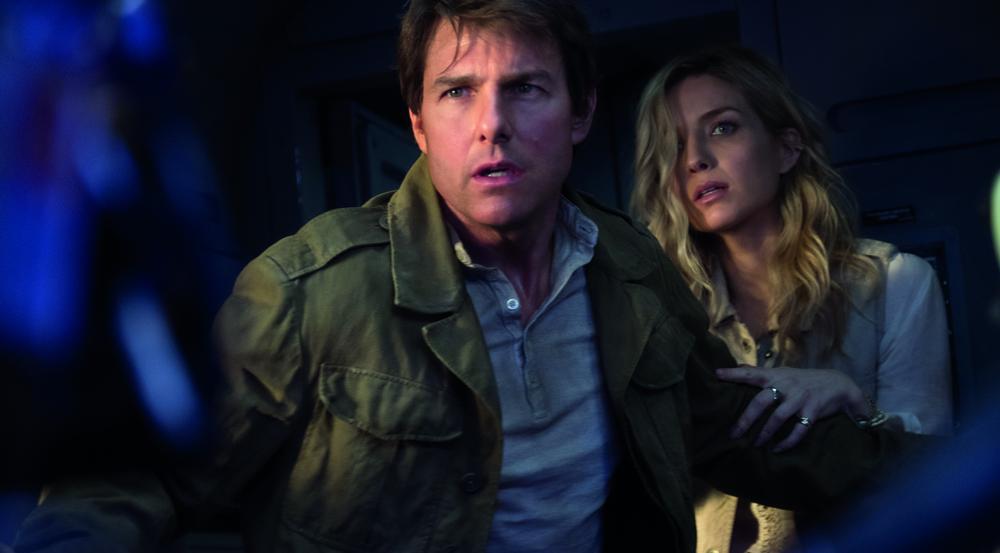 Nick Morton (Tom Cruise) und Jenny Halsey (Annabelle Wallis) könnten so glücklich miteinander sein - wäre da nicht eine Mumie hinter ihnen her!