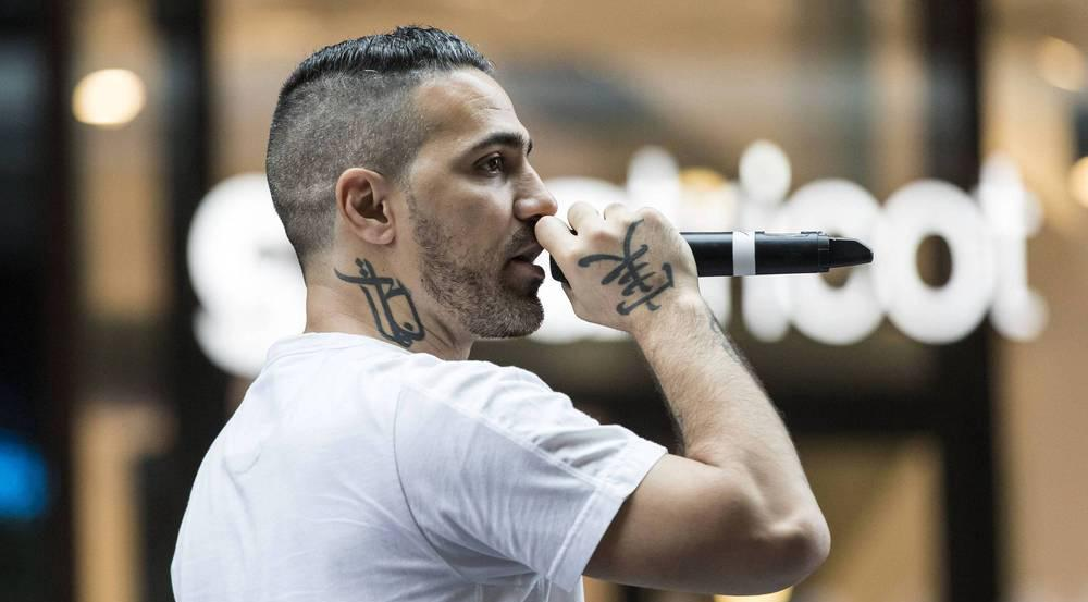 Bushido bei einem Konzert mit Autogrammstunde im Juni 2017 in Berlin