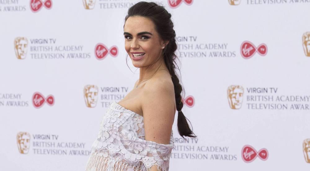 Schwanger bei den BAFTA Awards: Jennifer Metcalfe stahl den meisten anderen Promidamen mit dieser Robe die Show