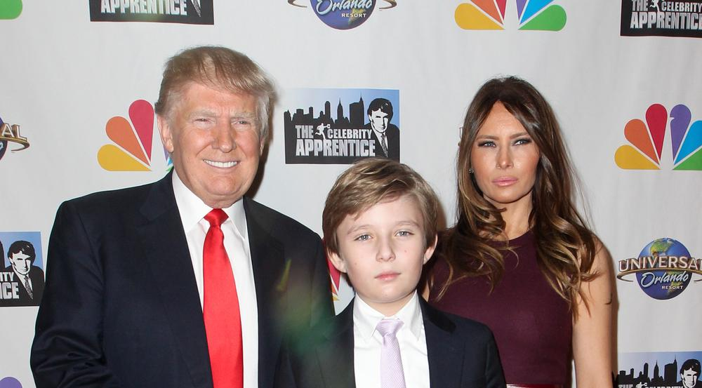 Sind ab Herbst im Weißen Haus wiedervereint: Donald Trump mit Sohn Barron und Ehefrau Melania