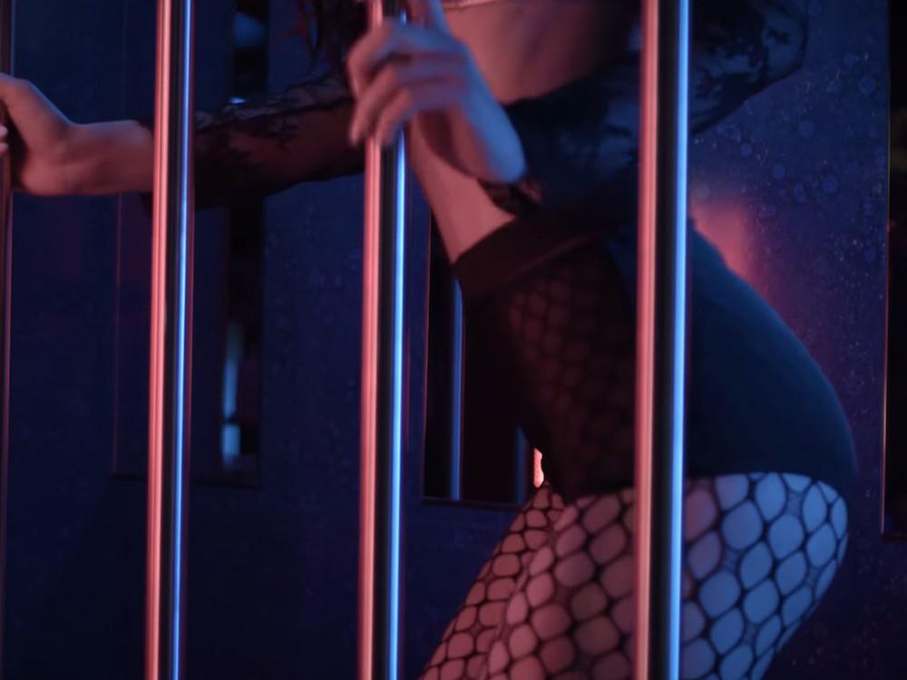 Kfig knackig mdchen tunnel - sexy-girls-tubecom