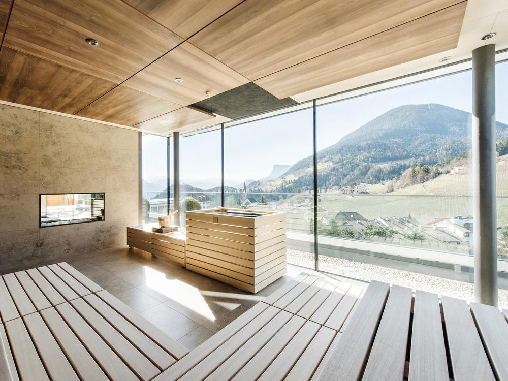 relaxen mit aussicht wellness oasen in den bergen reise abendzeitung m nchen. Black Bedroom Furniture Sets. Home Design Ideas