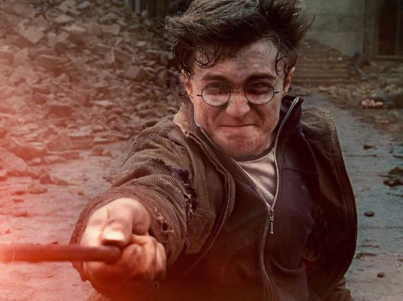 Harry Potter (Daniel Radcliffe) kämpft in