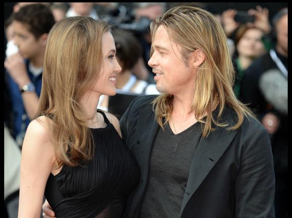 Ob sich Angelina Jolie und Brad Pitt nach ihrer Heirat tatsächlich weniger oft küssen? Eine aktuelle Umfrage legt das nahe