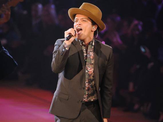 Bruno Mars wird zusammen mit Beyoncé und Coldplay beim Super Bowl 50 auftreten