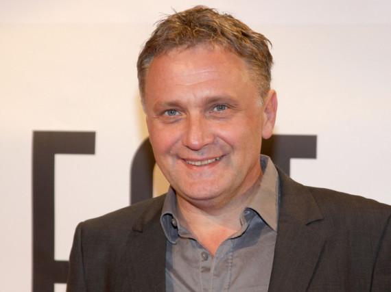 Schauspieler Bernhard Schir überzeugt in