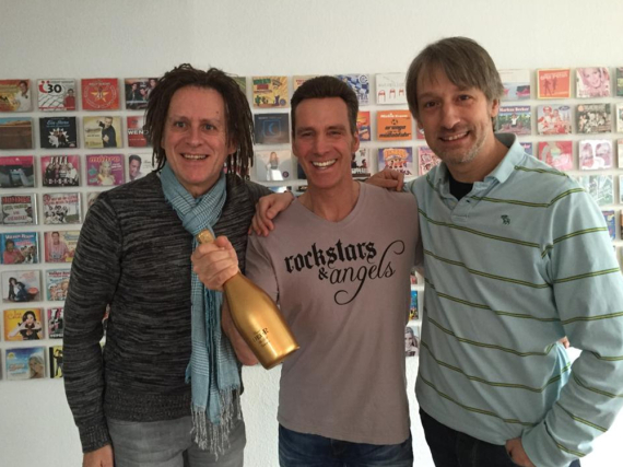 Ist überglücklich: Jürgen Milski hat heute seinen neuen Sommer-Song aufgenommen