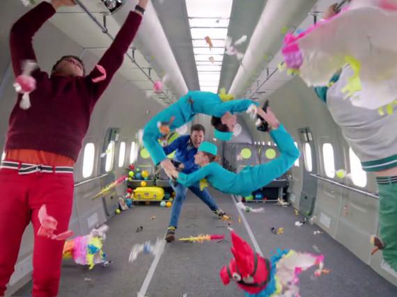Beim Dreh in der Schwerelosigkeit gelangen OK Go einige spektakuläre Szenen