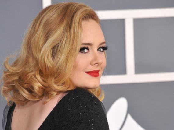Adele zieht die Stars magisch an!