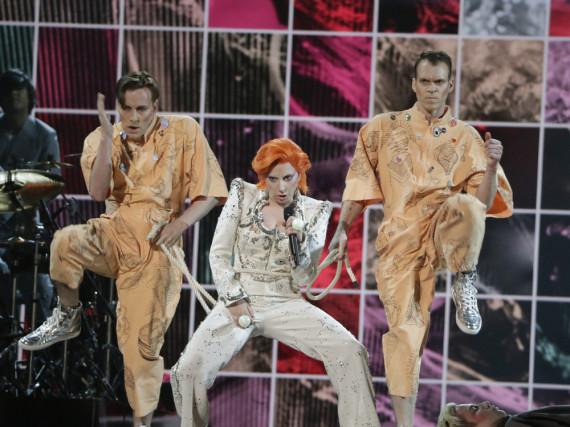 Lady Gaga bei ihrem David-Bowie-Tribute während der Grammy-Verleihung