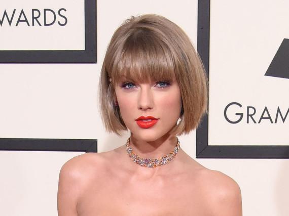 Ihre Frisur wurde zum Gespött im Internet: Taylor Swift bei den Grammys