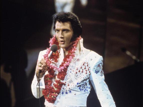 Elvis Presley bei einem Konzert Anfang der 1970er