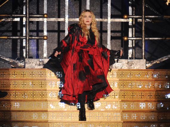 Madonna während eines Konzerts