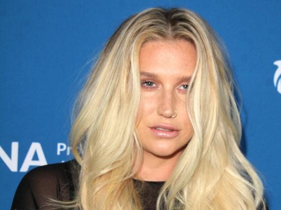 Kesha will aus ihrem Vertrag mit dem Produzenten Dr. Luke raus