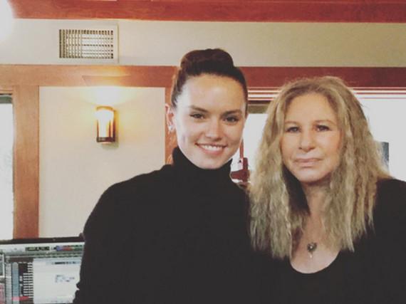 Daisy Ridley und Barbra Streisand im Aufnahmestudio
