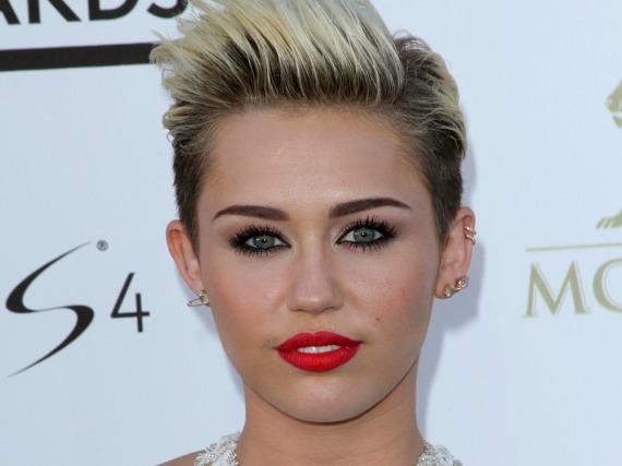 Miley Cyrus (Foto) postete ein altes Foto von Jodie Sweetin - und ihre Fans sind nicht begeistert