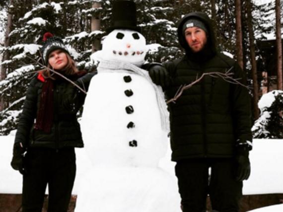 Auch Taylor Swifts Familie, wie hier Bruder Austin (liegend), freut sich über ihre Liebe zu Calvin Harris.
